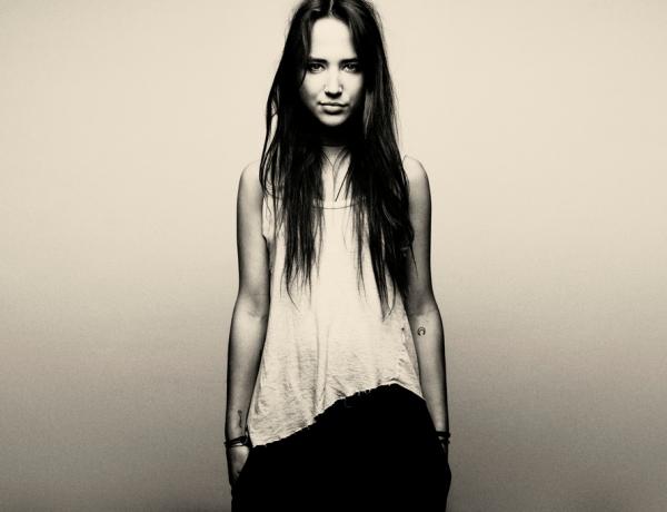 Bella Sarris: Da Sidney ad Ibiza.